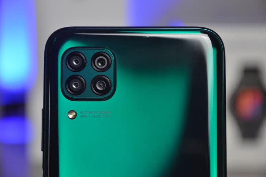 Huawei P40, P40pro e P40 pro+ attacco a tre punte